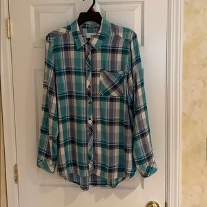 Sonoma flannel Large women's shirt.  Like new!